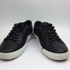 ECCO Soft VII Lace-Up Sneaker sz 7